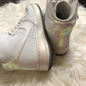 Nike airforce 1 iridescent pink high top